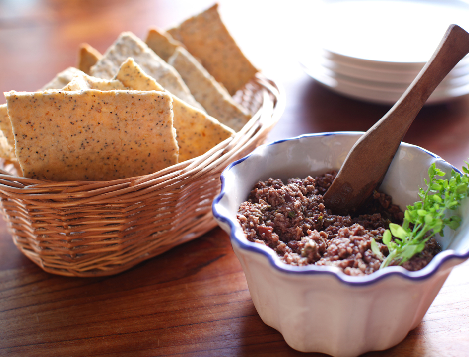 4 Healthy Snacks Olive Tapenade